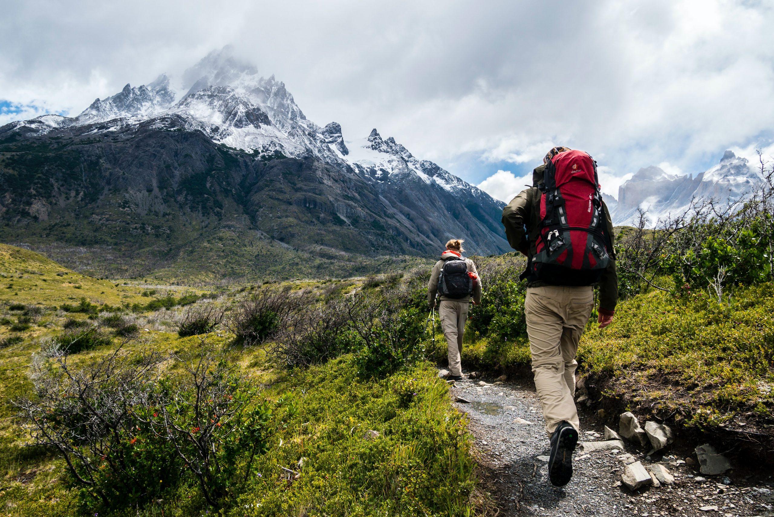 <h2>Randonnées</h2><p>Guide des randonnées à faire prêt de chez vous</p><a href='#' class='btn'>Voir les rando</a>